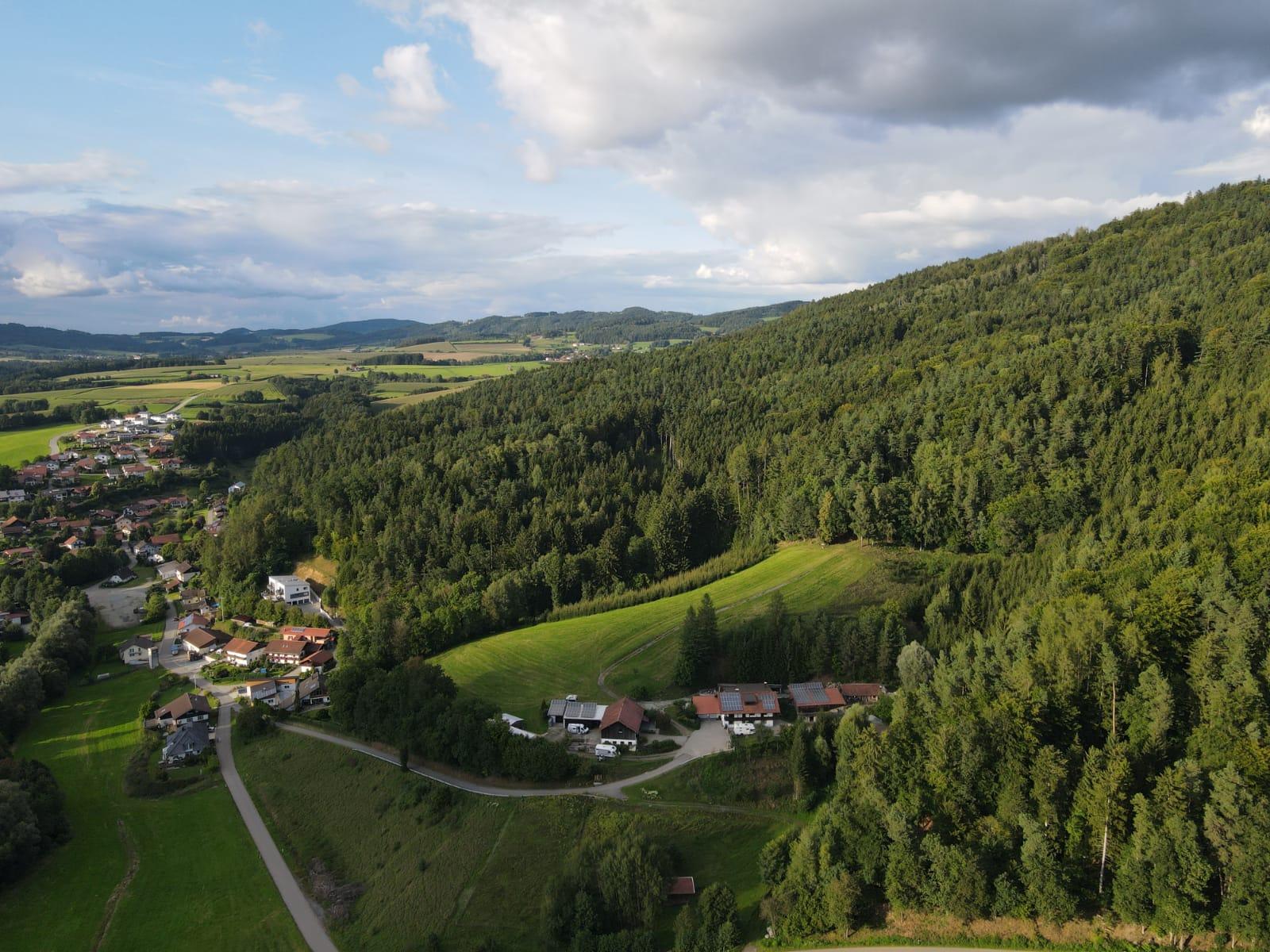 Kleiner Berghof im bayrischen Wald
